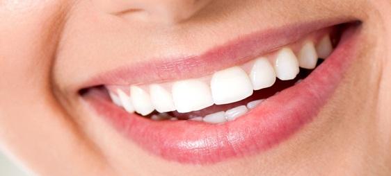 תיקון של שיניים עקומות בגיל מבוגר